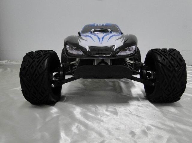 BRAND NEW LAUNCH FOR 2011 - KING MOTOR X1 SHAFT DRIVEN 4X4  30.5cc 2.4GHZ 1/5 BAJA SC (SHORT COURSE) driven to distraction