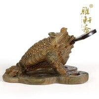 Зеленый сандалового дерева, резьба ремесла красного дерева Zhaocai Jinchan твердой древесины домашнего интерьера медь жаба животного фэн шуй укра