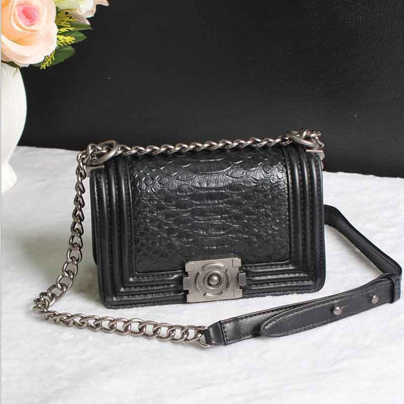 Retro Fashion Women's Flap Messenger Bags Snake Pattern Real Leather Lady's Chain Shoulder bag Small Handbag Famous Brand Design 2017 fashion all match retro split leather women bag top grade small shoulder bags multilayer mini chain women messenger bags