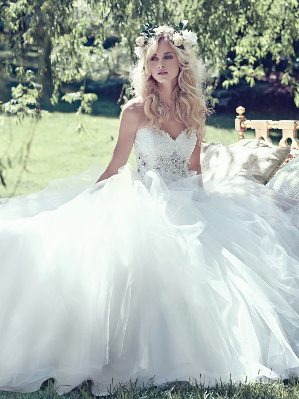 e7f06ad5ca27 Tulle Skirt Ball Gown Wedding Dress