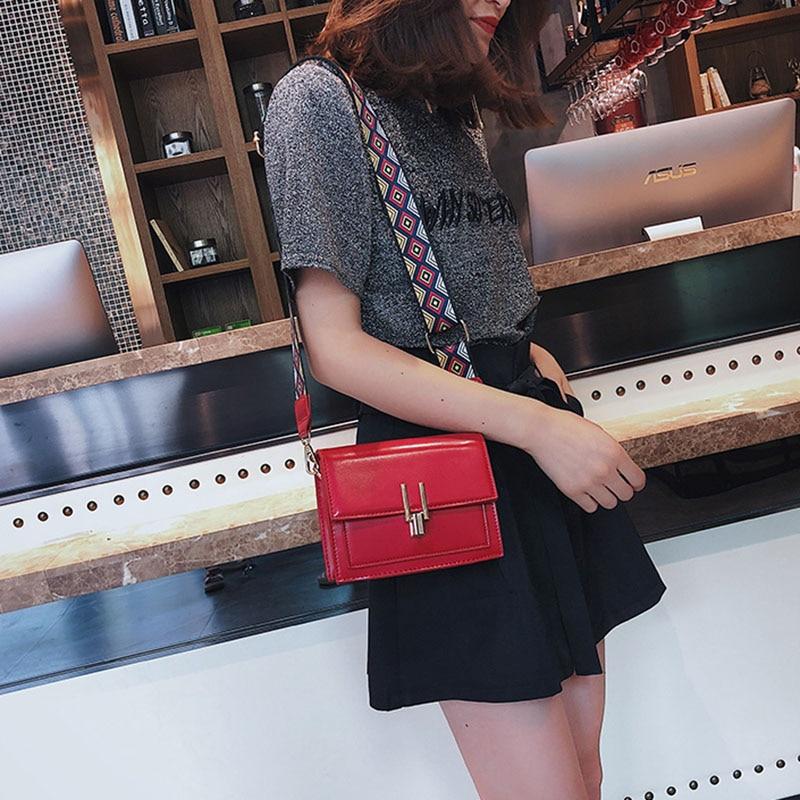 New Women Fashion Width Shoulder Bags INS Popular Female Exquisite Solid Handbag Mini Flap Lady Travel Chains Crossbody SS3474 (16)