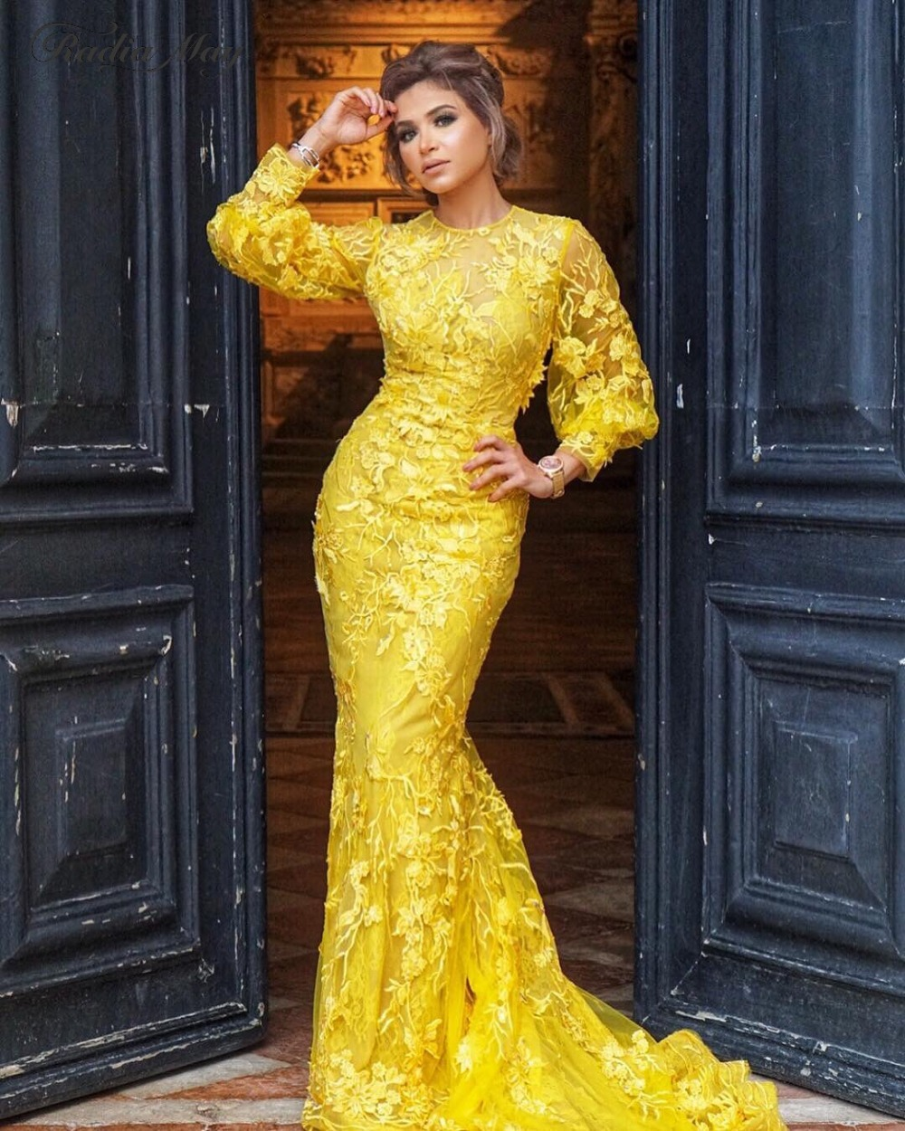 2019 Gold Yellow Lace Long Sleeve Dubai Evening Dress Mermaid 3D Flora Arabic Celebrity Prom Dresses Plus Size Long Formal Gowns