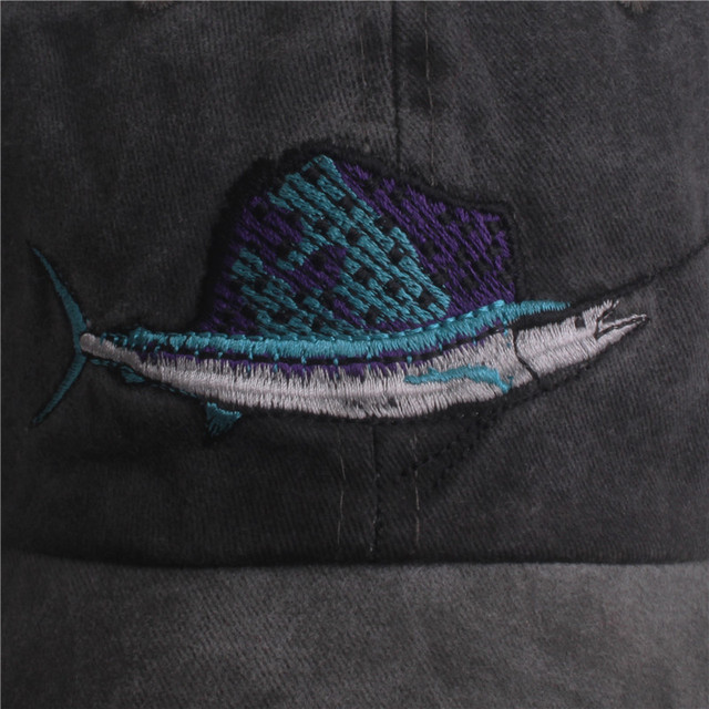 Casual fish embroidery men's baseball caps