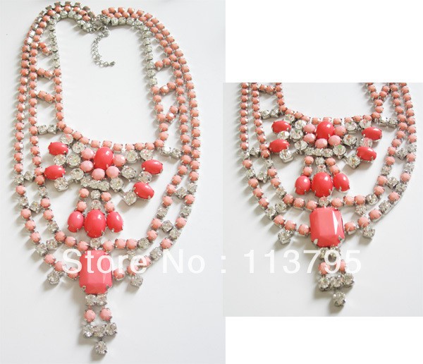 Free shipping *fashion acrylic and claw chain necklace* muti charms necklace