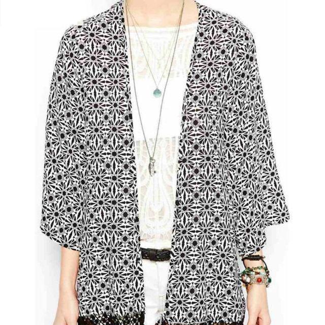 MSANI D'été Femmes de Cru Géométrique dentelle Kimono Top Cardigan Veste Noir S M L Plaid blouse chemise 25013