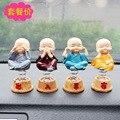 Quatro pequenos monges balançando ornamentos desenhos animados decoração do carro decoração de interiores automotivos não olhe não ouvir não dizer não se mover