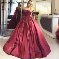Vintage Quinceanera Dresses Ball Gown Wine Red Appliques Lace Beaded ff The Shoulder Floor Length Sweet 15 Dress Debutante Gown
