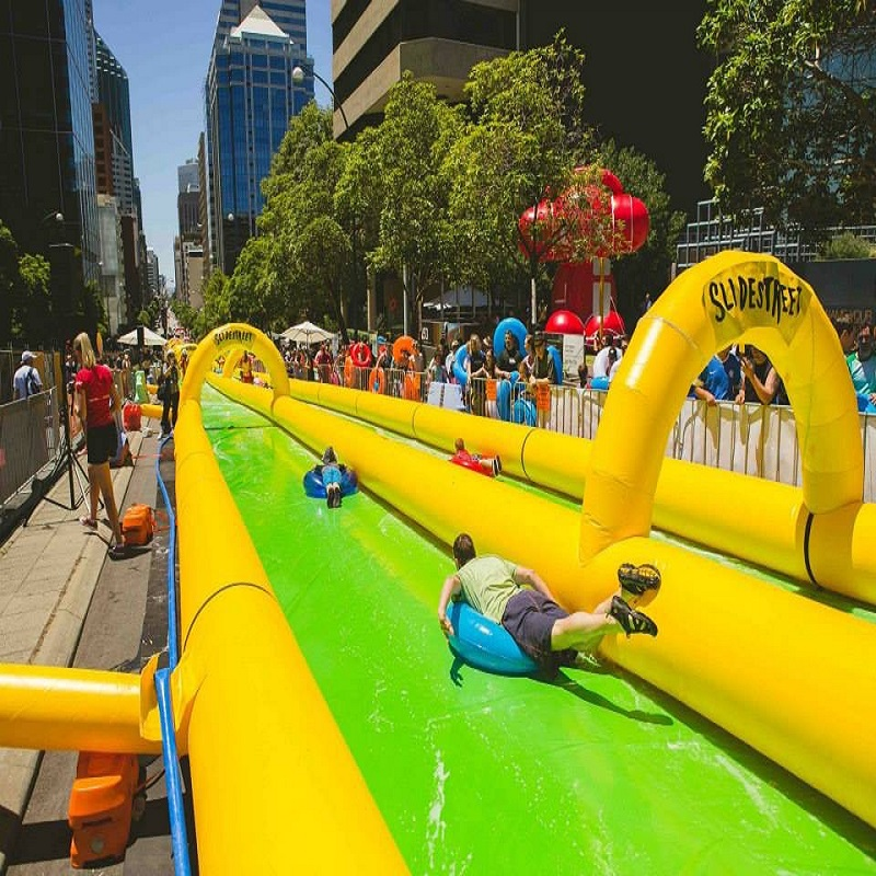 city water slide large outdoor inflatable recreation 100 M long playing in summer water park relieve summer heat slide the city