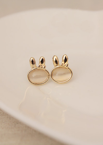 ED   0318   Korean version of the European and American fashion retro cute bunny opal earrings  Free shipping