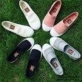 Calçados Femininos verão 2017 Mulheres Da Moda marca Sapatos Casuais Apartamentos Alpercatas de Lona Oco Rendas Plimsolls Respirável Gumshoe