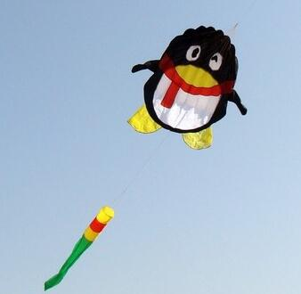 Livraison gratuite de haute qualité nouveau pingouin prince doux cerf-volant carton cerf-volant magasin wei cerfs-volants usine rvs cerf-volant bobine ripstop nylon