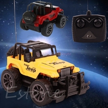 1Pc 1 24 Drift Speed control Remote RC Jeep Off road vehicle kids Toy Car Gift