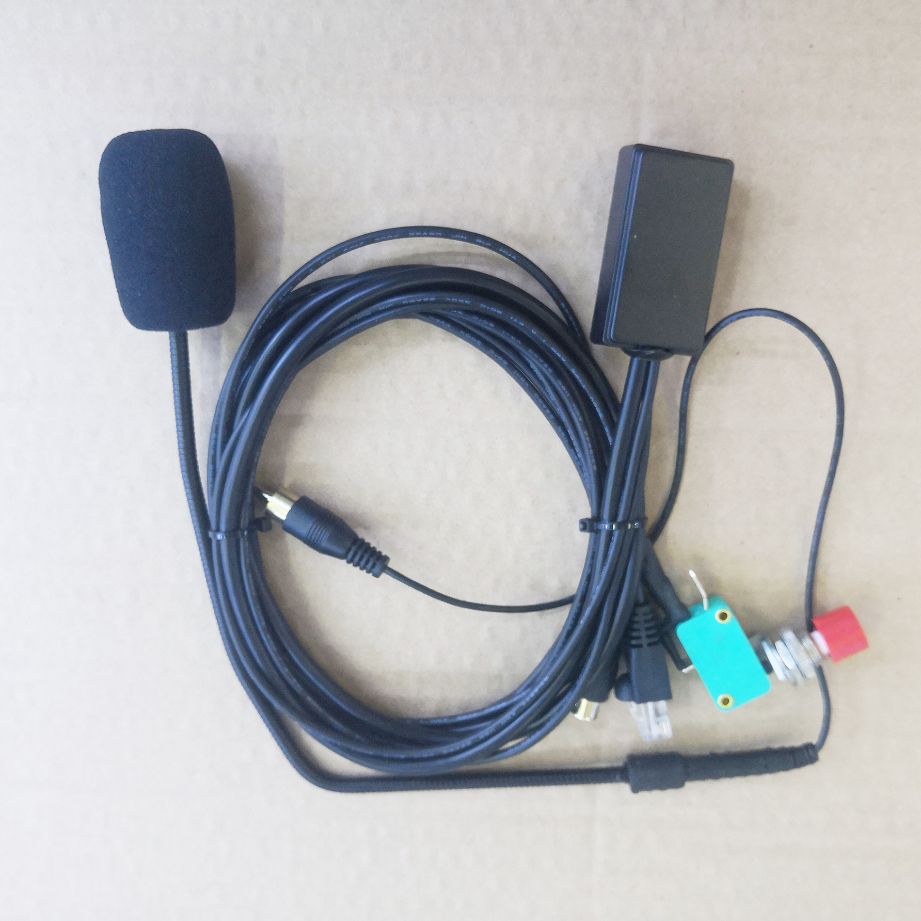 Mic Speaker Handsfree 8 Pins For Motorola GM338,GM950,GM300,GM3188,GM3189,GM3689,GM340 Etc Car Basic Radio For Taxi
