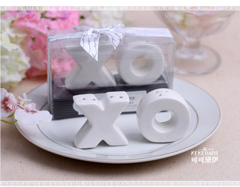 free shippp New Wedding Favor wedding gift XO salt and pepper pot Romantic gift ideas hug and kiss XO cruet 100 PCS=50 SET=50BOX