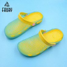 Surgical Medical Shoes Non slip Beach Shoes Hospital Nurse Doctor Slippers Garden Clogs Summer Breathable Hole Work Shoes