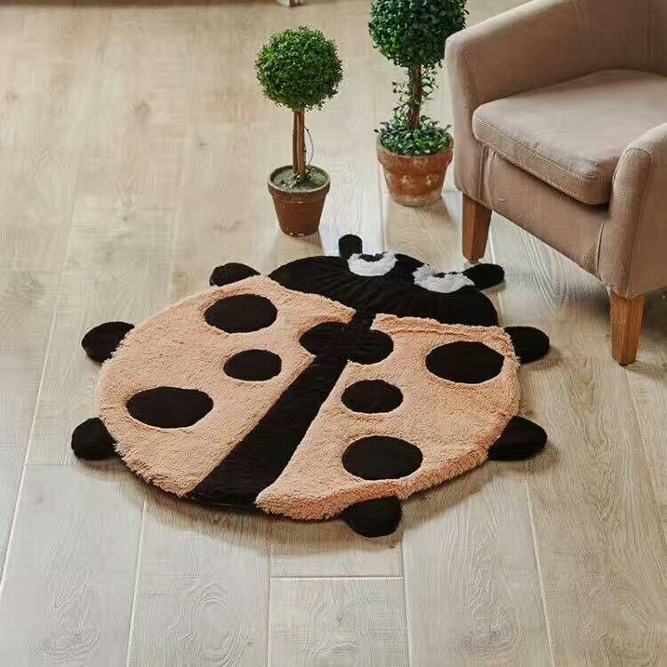 Ladybug Funny Floor Mat Bathroom Tapete Soft Crawling Rugs Cartoon Carpet Kids Baby Room Love Christmas Gift 58*72cm Decoration