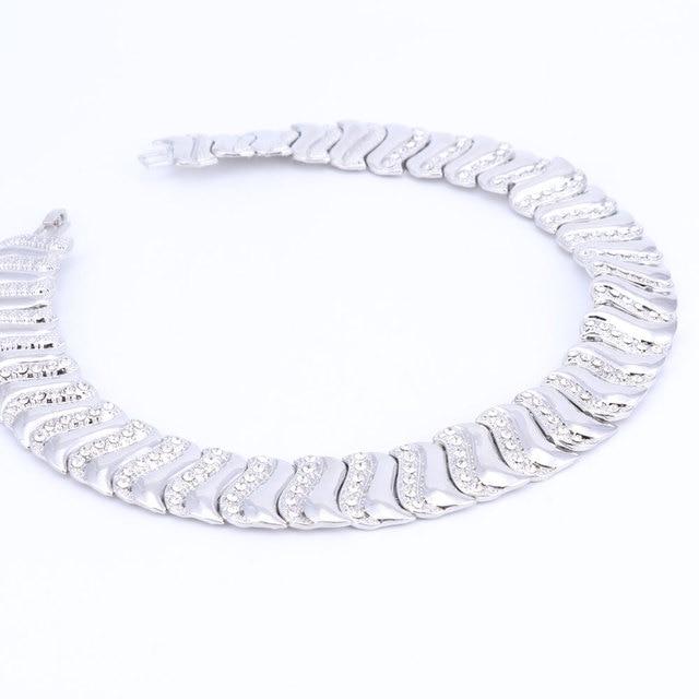 Mode Exquisite Dubai Schmuck-Set Luxus Silber Farbe Big Nigerian Hochzeit Afrikanische Perlen Kostüm Design schmuck set