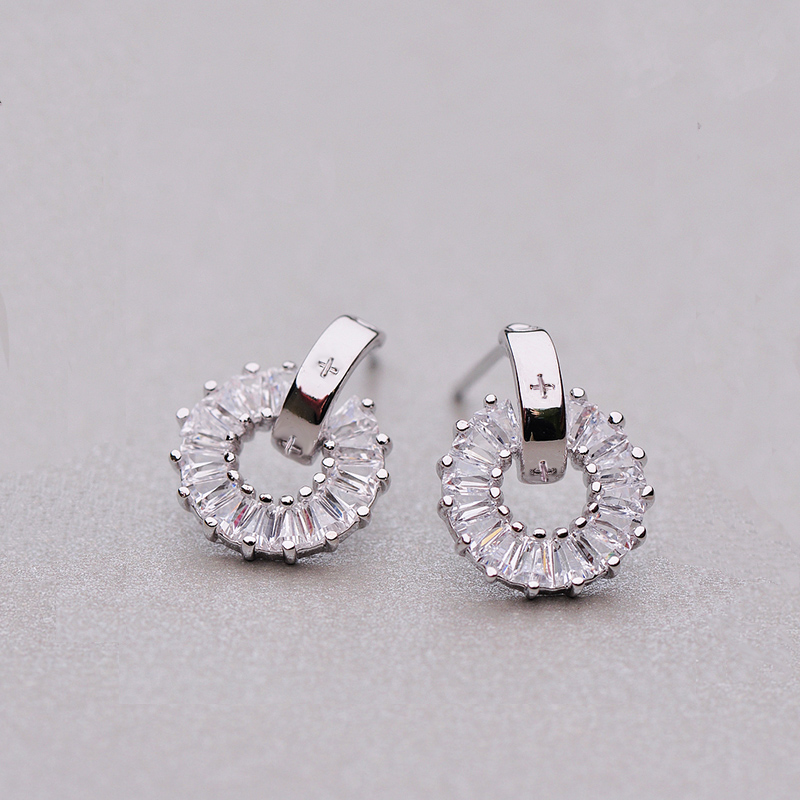 2018 Unique Round Loop Shaped Piercing CZ Zircon Small Stud Earrings For Women Silver Color Earring Jewelry Drop Ship