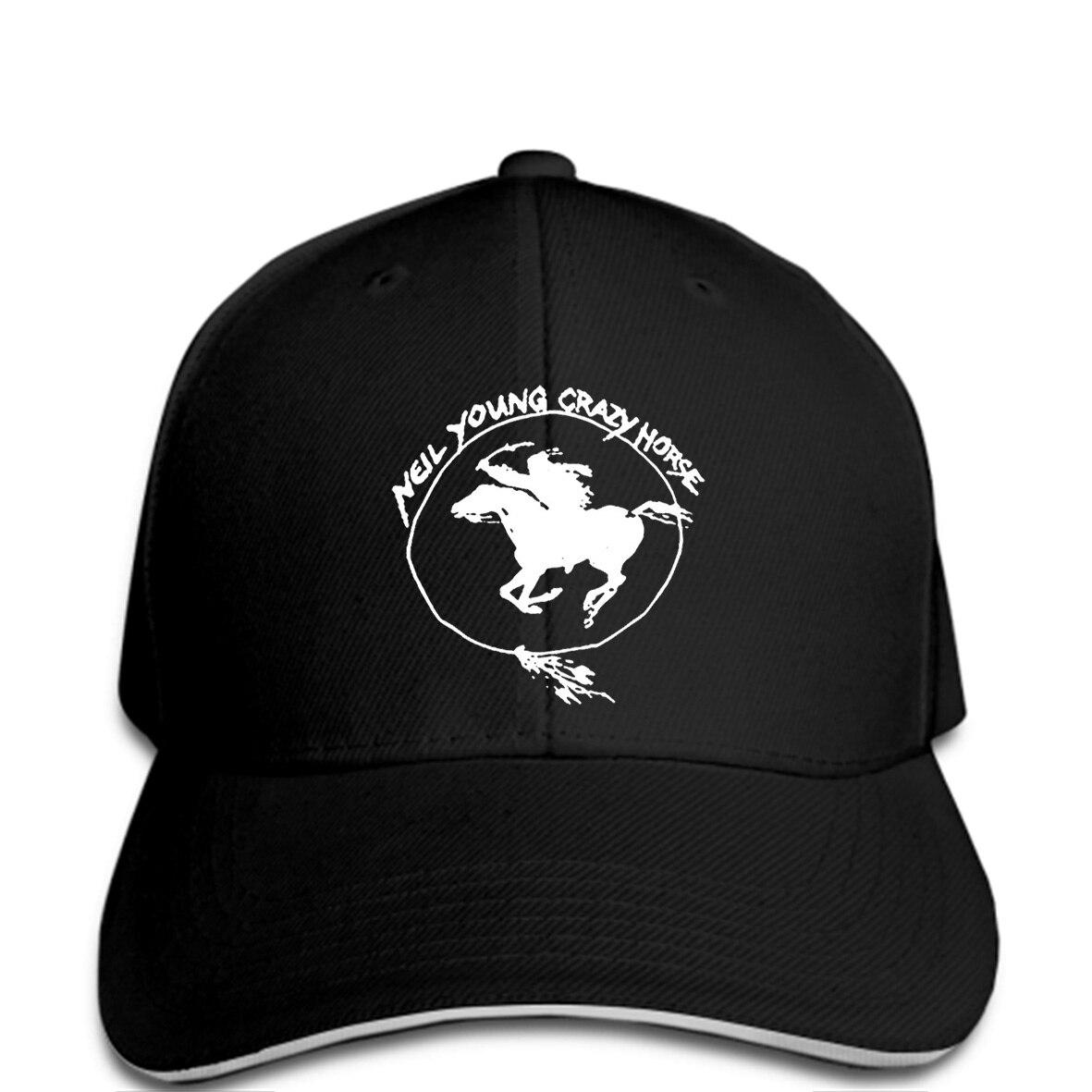 Neil Young y Caballo Loco desigual Gloria Tour Mens blanco sombrero negro  nuevos hombres gorra de béisbol de la moda para hombre en Gorras de béisbol  de ... ead4ab1951f