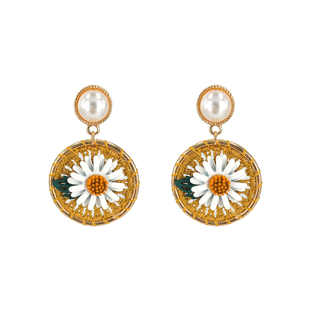 2019 New Design Fashion Jewelry Elegant Small Daisy Earrings Hand knitted Woolen Earrings Beach Holiday Earrings For Woman in Hoop Earrings from Jewelry Accessories