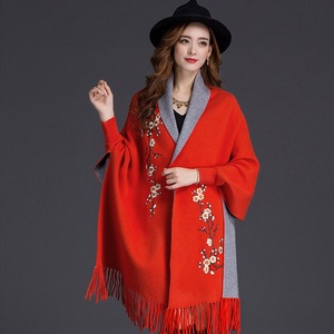 Image 5 - Mingjiebihuo חדש קשמיר פונצ ו צעיף עם שרוולים נשים בסתיו וחורף עבה חם דו צדדי מוצק ציצית גלימה בנות