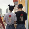 Moda T-shirt 2017 Verano Nueva Corea Ulzzang Harajuku Mujeres de Manga Corta T-shirt Bordado Rose Casual Camisetas Flojas