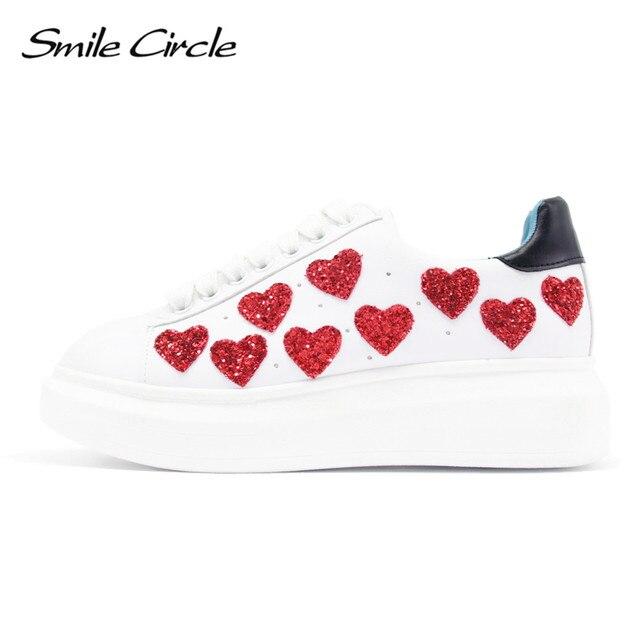 2017 Spring/Autumn Style Women Platform Shoes heart Applique Casual Flat Student Shoes Lace-Up Solid Walking Women Platform shoe