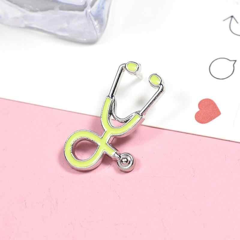 Vendita 1pc Spille Medico Infermiere Stetoscopio Spilla Medico Dei Monili Dello Smalto Spille Giubbotti jeans Collare Distintivo Spilli Pulsante