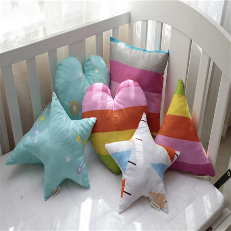 New Creative Heart Design Neck Pillow Children Sleep Cushions Cartoon Baby Home Decor Car Seat Decorative Throw Pillows