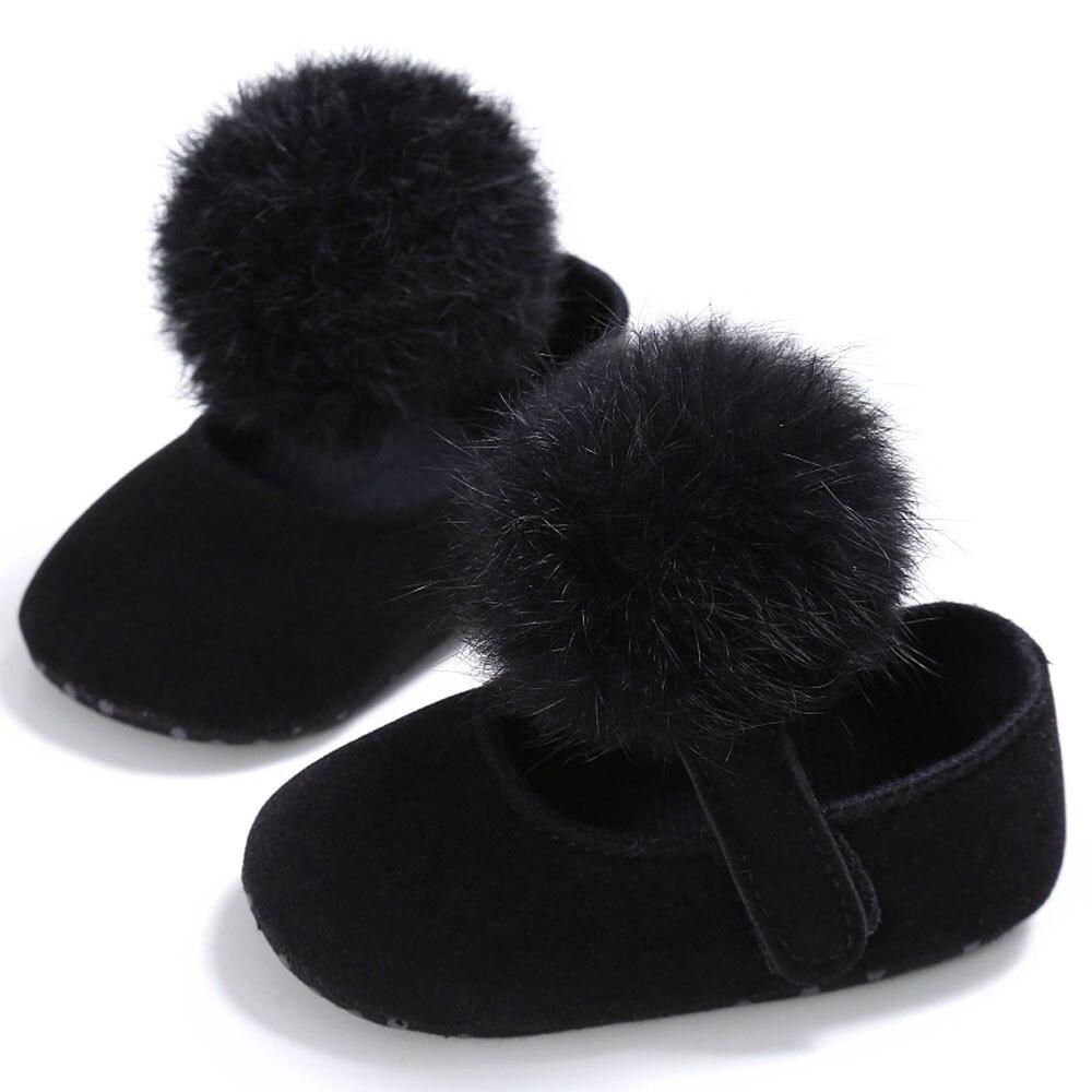 Для малышей Обувь для девочек кроватки Мех животных мяч принцессы Повседневное новорожденных Для маленьких мальчиков первых шагов подошва против скольжения для 0- 18 м младенцев bttf - Цвет: A