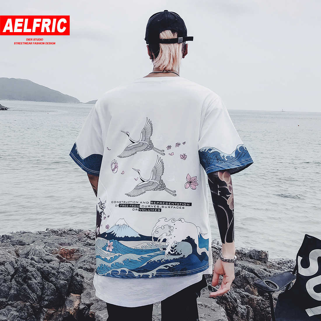 AELFRIC Japanese Style T Shirts Streetwear Mens 2019 Summer Crane Wave Cherry Blossoms Printed Casual Short Sleeve T Shirts Tops