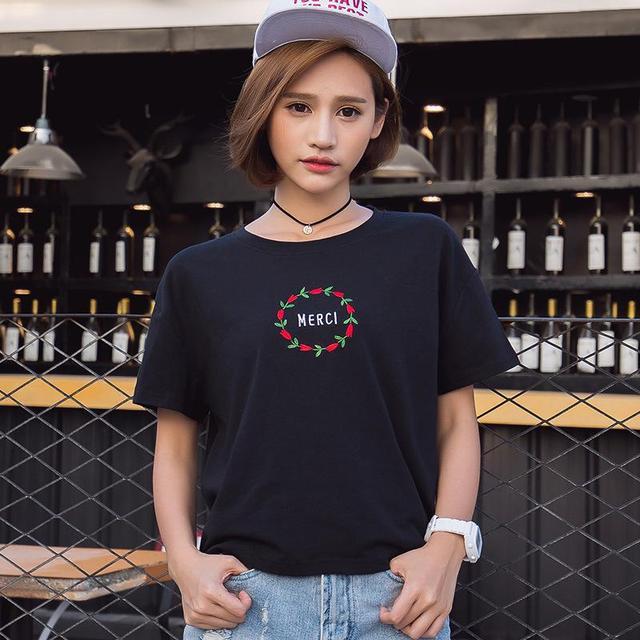 Mulheres Plus Size Tops Preto 2016 Verão Solta de Manga Curta T-shirt de Algodão Coréia Moda Bordado Ocasional O-pescoço T-shirt Femme