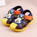 Baby girls shoes red de malla transpirable zapatillas de deporte de primavera de dibujos animados deporte de los bebés baby girls shoes moda para niños primeros caminante