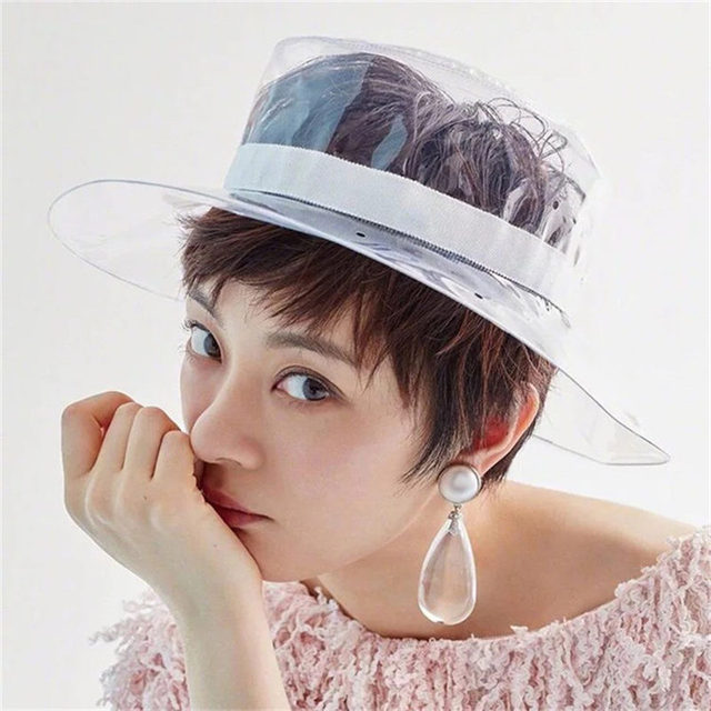 2d5a1fdcbe4 2018 New Wide Brim Clear Rain Hat Summer Beach Travel Plastic Bucket Hats  Fashion Solid Sun Cap UV Protection For Women