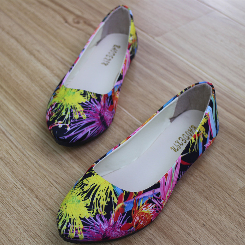 где купить Women Flats Slip On Casual Shoes 2017 Summer Fashion Flower New Comfortable Flat Shoes Woman Work Loafers Plus Size 35-42 дешево