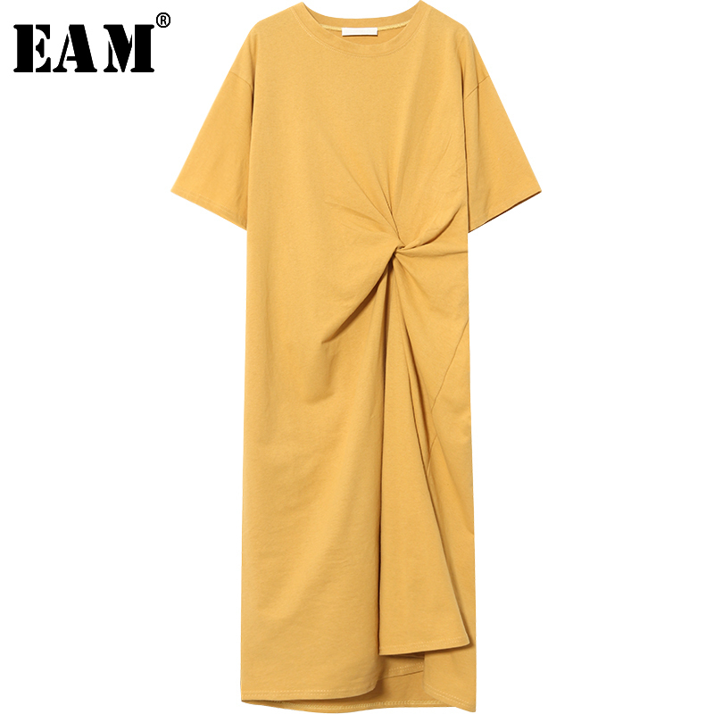 [EAM] 2020 New Spring  SummerFashion Yellow Loose Short Sleeve Pleated Fold Asymmetry O-neck Simple Wild Woman Dress S206