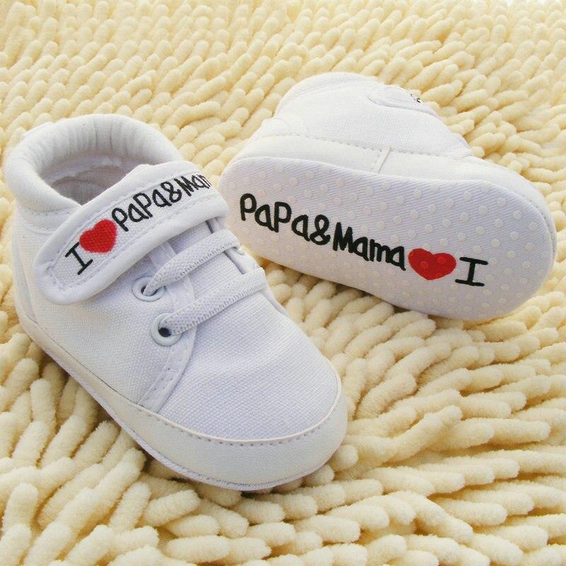 Chaussures pour enfants de 0 à 18M   Chaussures confortables à semelle souple imprimée, avec lettres I Love PaPa & MaMa, en forme de cœur pour premiers nés