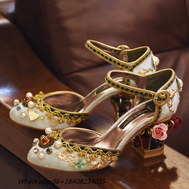 2017 Luxury Retro Velvet Mary Janes Pumps Gold Laciness Gems Party Wedding  Shoes Cut out Heel Flower Bird Cage Ladies Shoes 5c3337c8540a