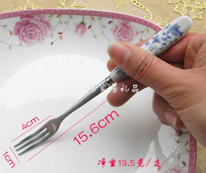 Free shipping (3pcs/lot)Kitchen tool Fashion Stainless Steel Fork /156mm Bone China fruit fork /cake dessert fork tableware 7