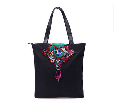 2017 New Embroidery Casual To!Hot Floral embroidery women Handbags Top fashion Shopping canvas All-match Lady Totes Carrier
