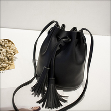 Frenzy Leather Retro Style Shoulder Bag