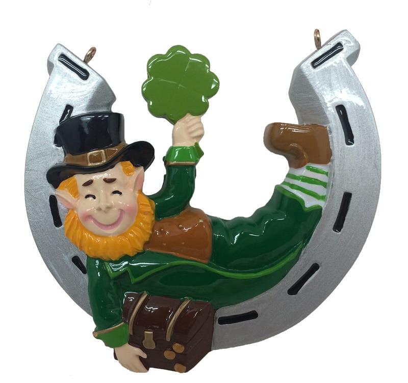 Resina de duende de Natal irlandês pendurado ornamento com ferradura lustrosa personalizada como lembrança de artesanato para presente ou decoração de casa