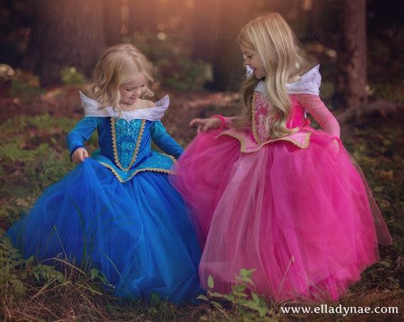 Ny ankomst prinsessa flickor Sovande skönhetsklänning Prinsessan Aurora  Elsa Cinderella Rosa blå klänning . 333c7550db3ad