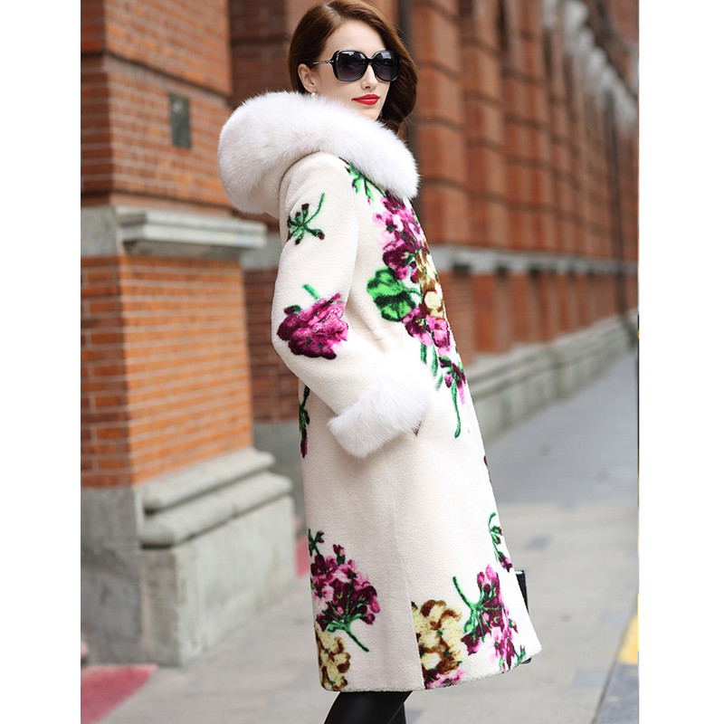 LEAYH Brand Autumn and Winter Fur Sheep Cut Coat Women Female Real Fox Fur Collar Flower Print Long Jackets in Real Fur from Women 39 s Clothing