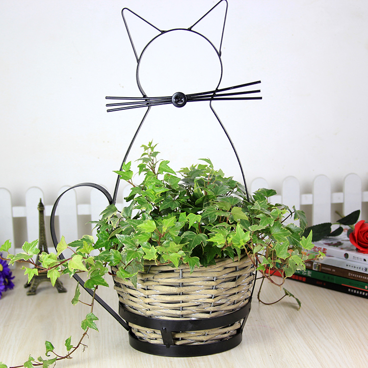 Pastoral style cute cat flower willow iron floor living room flower basket personalityPastoral style cute cat flower willow iron floor living room flower basket personality