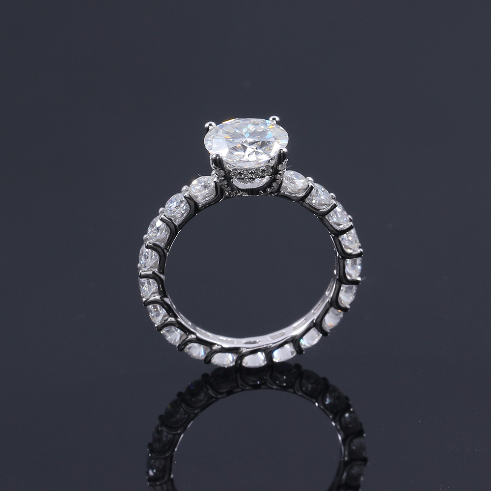 4d26707ab588b ... Anel de Ouro Branco Jóias. IMG 6908 IMG 6912 IMG 6917 IMG 6926 IMG 6927  IMG 6937. Real qualidade do diamante em moissanite!