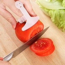 Kitchen Accessory Cooking Tools Finger Hand Protector Chop Safe Slice Knife(China)