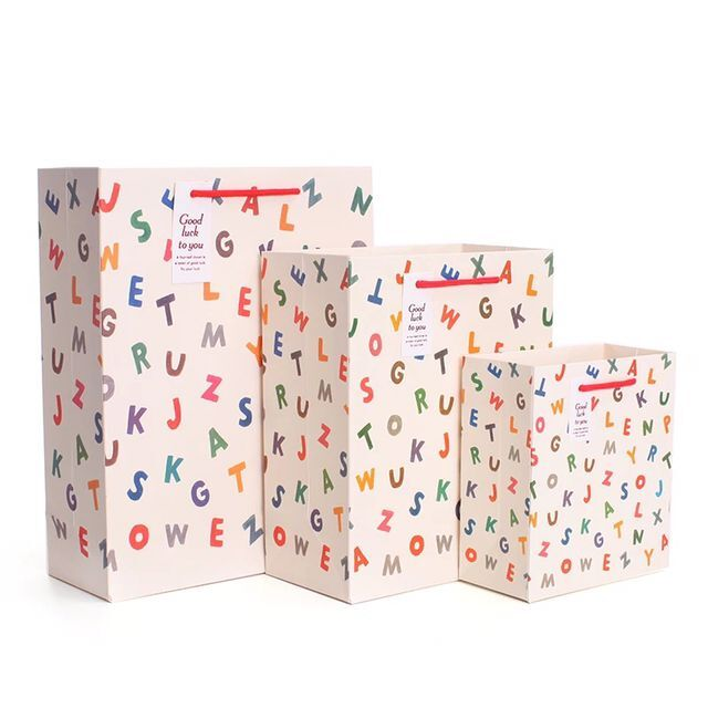 5pcs Free Shiping Cute Alphabet Sweet Heart Pattern Birthday Gift Paper Bag Gifts Bags Wholesale
