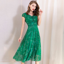 Brand new 2019 summer runways beading diamonds V neck dress Fashion women's green dress A267
