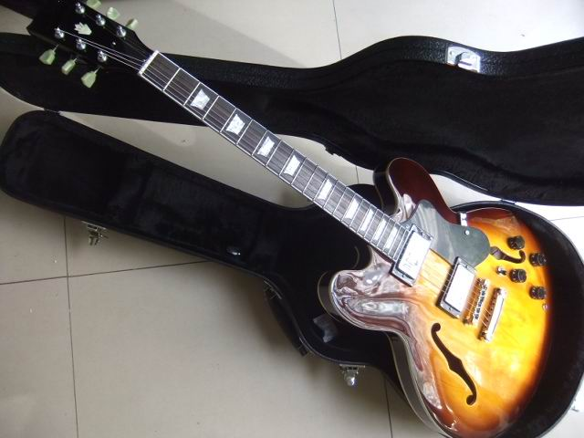 все цены на Wholesale New  ES-335 Jazz Electric Guitar Semi Hollow es335 Model ES 335 In Sunset(price not include the hardacse)101022 в интернете
